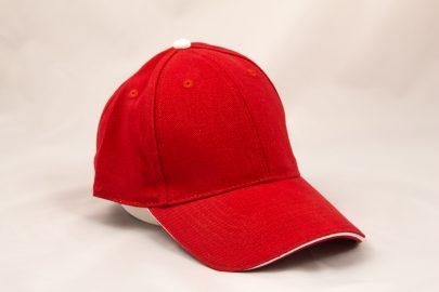 Cap rot/weiß